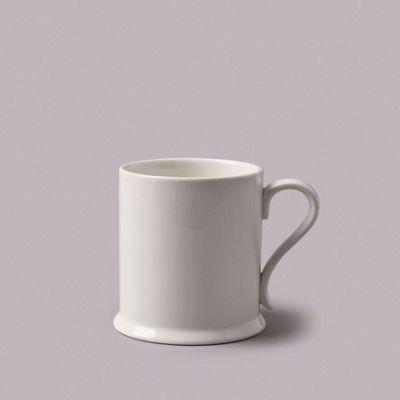 WM Bartleet & Sons Traditional Footed Mug