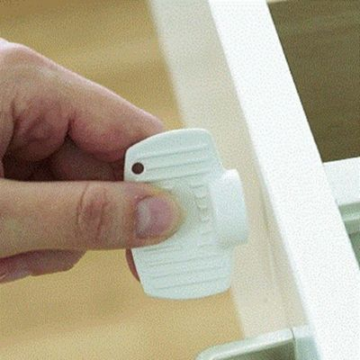 BabyDan Magnetic Drawer and Cupboard Key