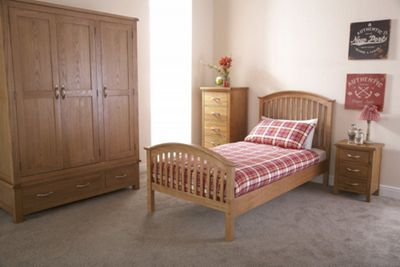 Madrid Wooden Bedstead
