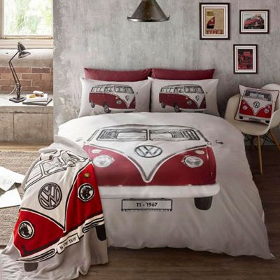 Volkswagen 'VW On Tour' Retro Red Duvet Cover Set, King