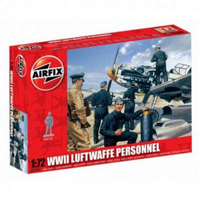 WWII Luftwaffe Personnel (A01755) 1:72