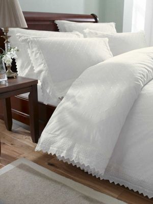 Balmoral White Housewife Pillowcase Pair