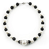 Black & White Pearl Style Necklace