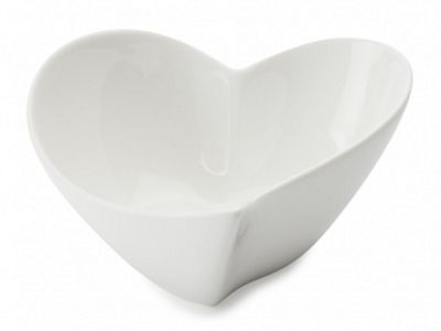 Maxwell & Williams Heart Shaped Bowl in White 17cm JX57907
