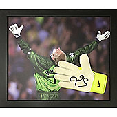 Framed Peter Schmeichel signed glove from his Manchester United days