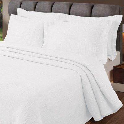 Homescapes White 'Verona' Geometric Pattern Textured Bedspread, Double