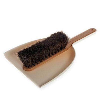 Iris Hantverk Handheld Dustpan & Brush Set with Horsehair in White/Cream