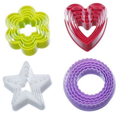 VonShef Plastic Colourful Cookie Cutter Set - Heart, Star, Flower, Fluted - 20 Piece Set