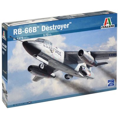 ITALERI 1375 RB-66 Destroyer 1:72 Aircraft Model Kit