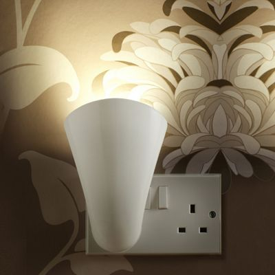 Auraglow Plugin GU10 Spotlight Uplighter Wall Wash Light Plug Socket Uplight Lamp with Warm White LED Bulb