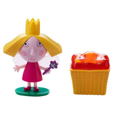 Ben & Holly's Little Kingdom Figure & Accessory Holly With Jelly Basket